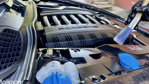 Детейлинг двигателя Porsche Cayenne
