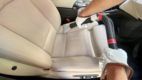 Химчистка кожаных сидений BMW